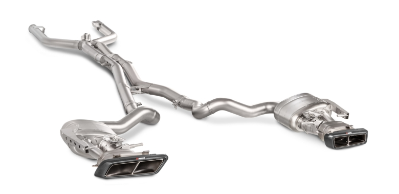 Akrapovic_Evolution_Line_for_C_63_Coupe (1)