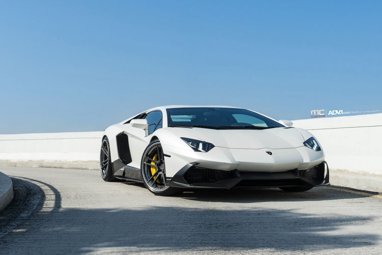 white-lamborghini-aventador-50th-anniversario-custom-rims-performance-wheels-adv1-aftermarket-A